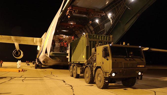 An-124-at-Pardubice