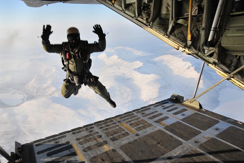 HALO-parachute
