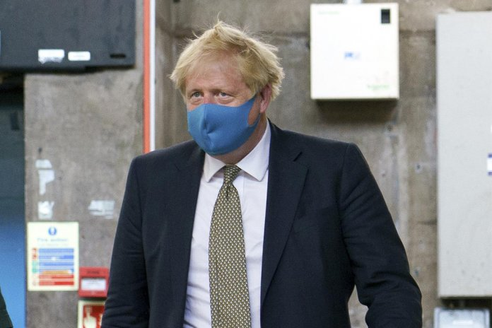 boris-johnson-facemask-1