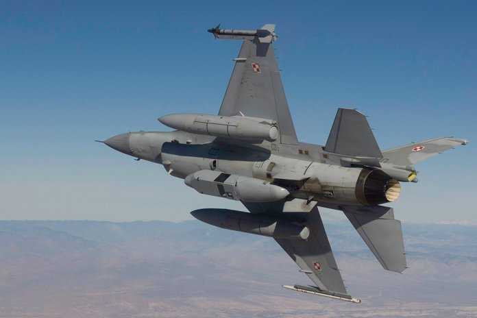 CA-DB-110-on-F-16